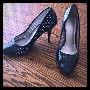 Black dotted heels